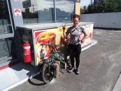 Deuxième fille cycliste que je rencontre, une Anglaise, Renée